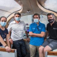 Ministro Couve visita el velero científico Tara en la última escala de la expedición en Chile